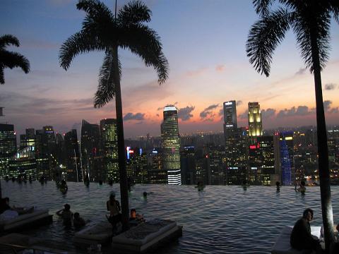 MarinaBaySands: Nachthimmel über Singapur