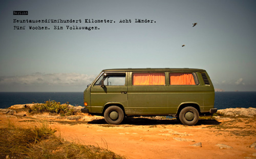 VW-Bus vor Ozeanpanorama